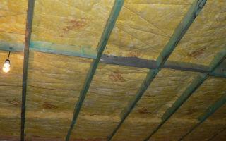 Укладка утеплителя на потолок: технология