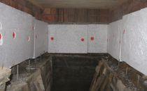 Чем засыпать потолок в деревянном доме: материалы, устройство и инструкция