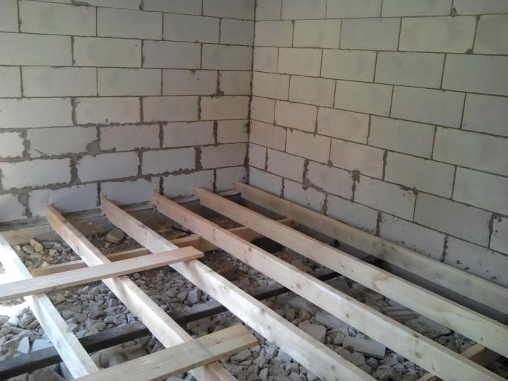 пол первого этажа в доме из газобетона